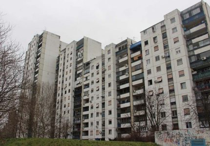 New-belgrade-bulding-in-which-is-appartment